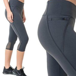 MONO B Green Cropped Yoga Leggings Capri Pants 15